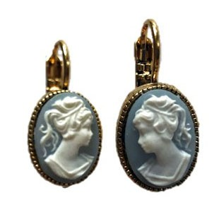 Earrings with Gemme motive in light blue