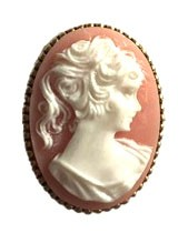 Brooch with Gemme motive in pink